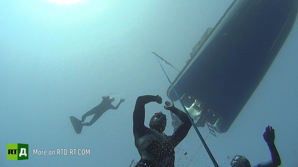 World record in freediving under ice