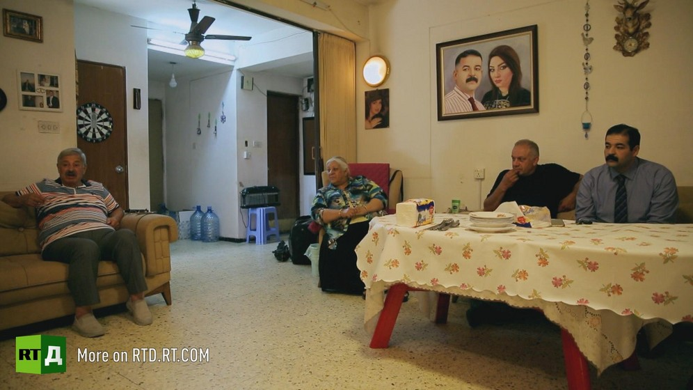 Large close-knit families used to the norm in Iraq, but the Iraqi war has divided them.