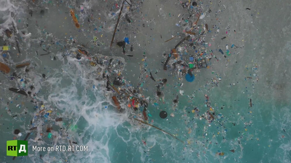 Plastic debris in the ocean