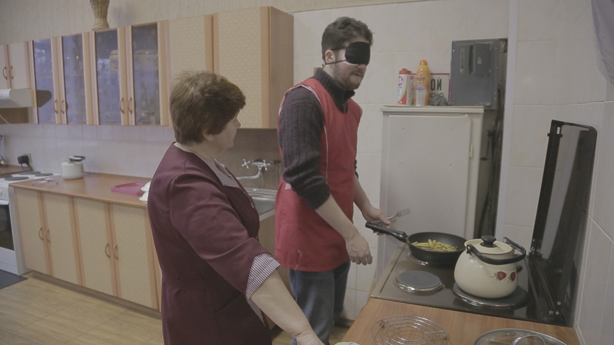 James cooks without sight for the first time in his life. For the visually impaired, the kitchen can be a scary and dangerous place.