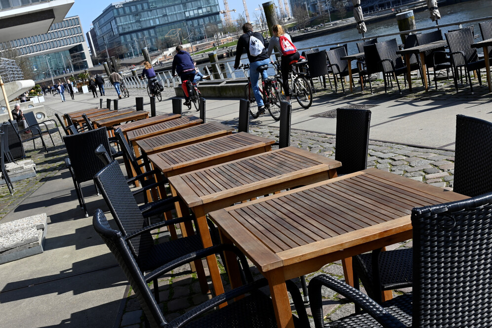 empty cafes during lockdown in europe