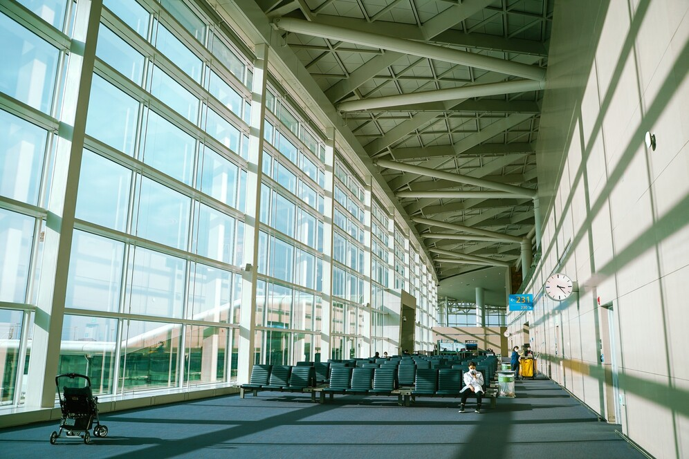 empty airport amid coronavirus pandemic